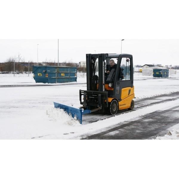 Lame à neige fixe et réversible Poids (Kg) 95 Référence SPF 18 Largeur (mm) 1800 Dimensions (lxh) mm 1800*400 Dim. intér. fourreaux PxH (mm) 170*75