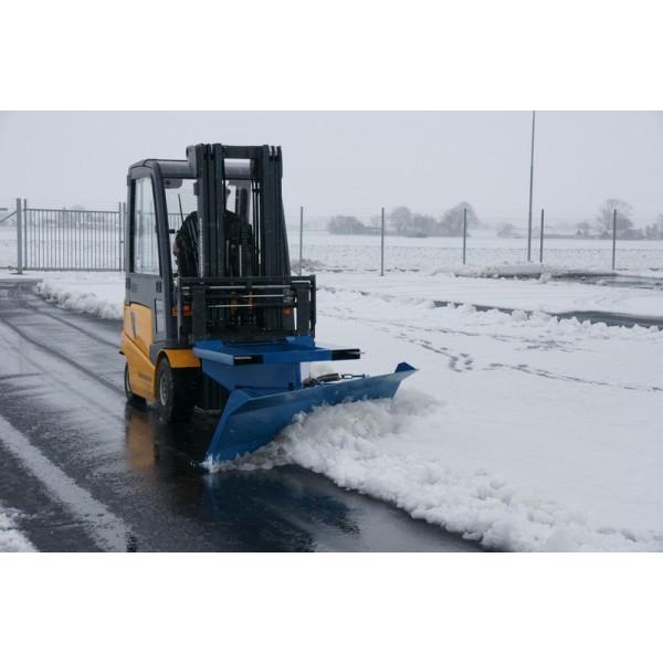 Lame à neige pour chariot élévateur Poids (Kg) 240 Référence SP 15 Largeur (mm) 1500 Dimensions (lxh) mm 1500*600 Dim. intér. fourreaux PxH (mm) 215*68