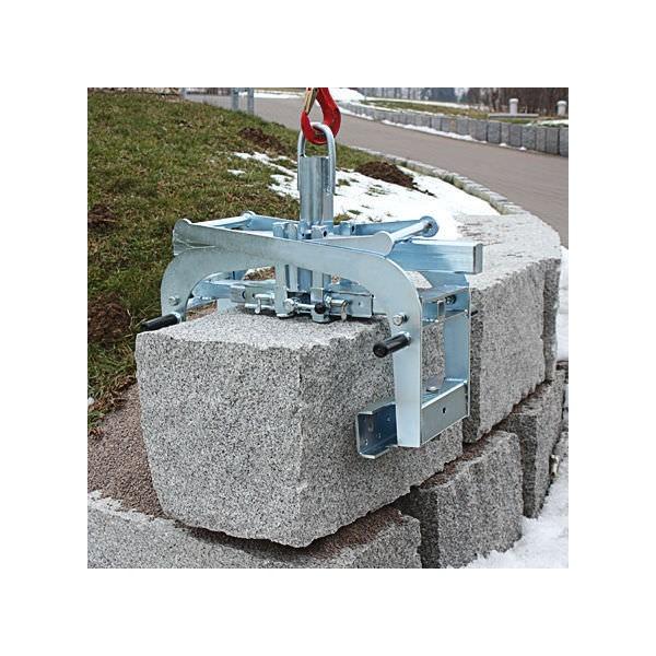 Pince à rochers Charge admissible (Kg) 1000 T : Profondeur 300 Référence 1564.1 W : largeur d'ouvert. (mm) 200 - 850 B : Longueur des patins (mm) 380 Poids (Kg) 93