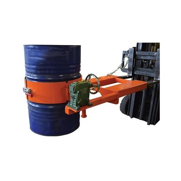 Retourneur basculeur de fûts RF400 Basculement (avec) manivelle Charge admissible (Kg) 400 Dim. intér. fourreaux PxH (mm) 185 X 70 Référence RF400 Poids (Kg) 112 Dimensions (LxlxH) en mm 1020*450*780